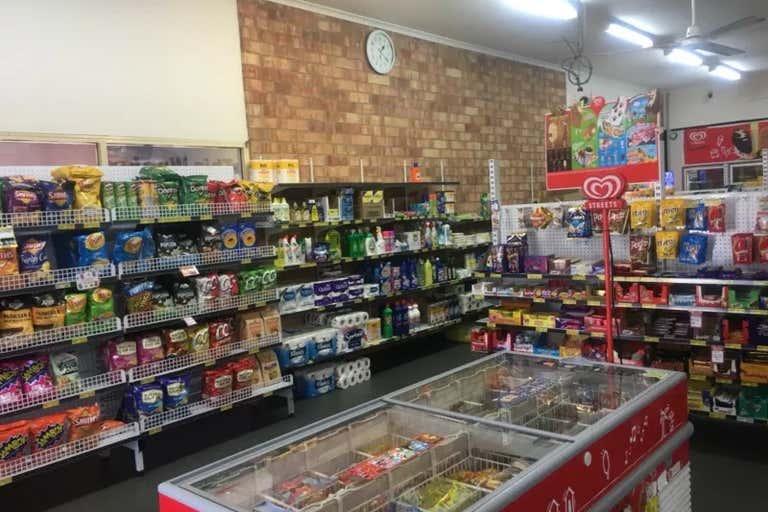 2/5-9 Lakeshore Avenue Buderim QLD 4556 - Image 2