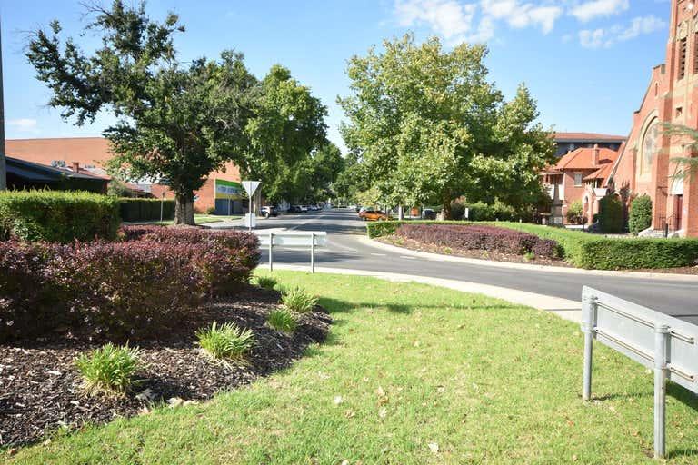 1/601 Olive Street Albury NSW 2640 - Image 4