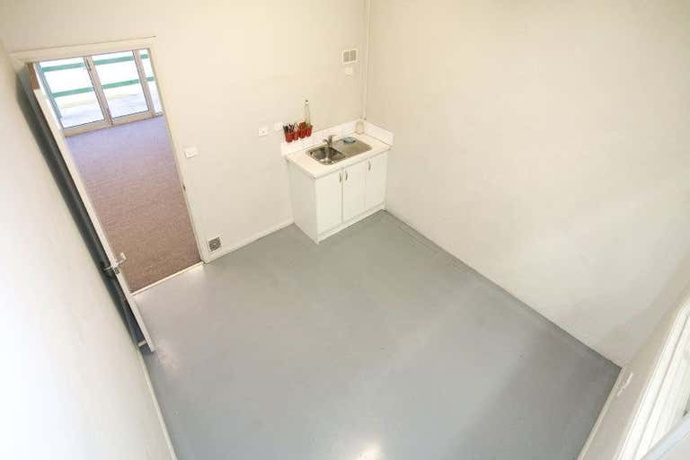 Unit 4, 8-20 Brock Street Thomastown VIC 3074 - Image 2