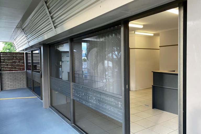 21 & 22, 25-31 Grafton Street Cairns City QLD 4870 - Image 2