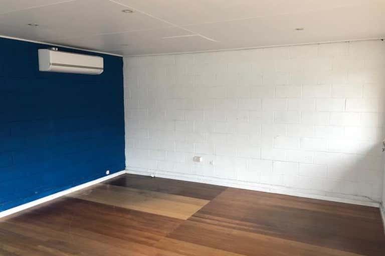 Unit 2, 15 Bonnal Road Erina NSW 2250 - Image 3