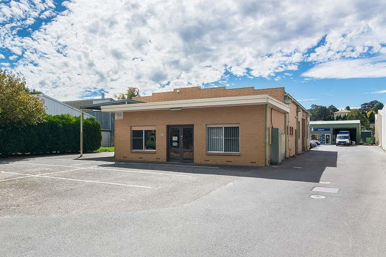 Unit 1, 21 Victoria Crescent Mount Barker SA 5251 - Image 2