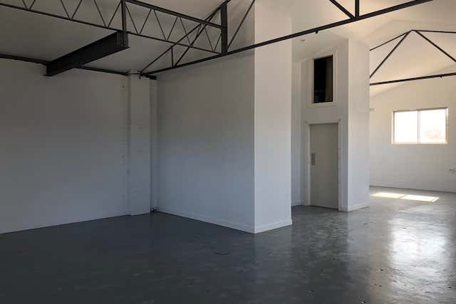 RENOVATED THROUGHOUT LOFT STYLE CREATIVE SPACE  - Image 3