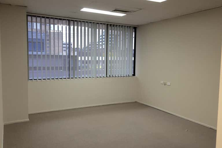 3/126 Scarborough Street Southport QLD 4215 - Image 2