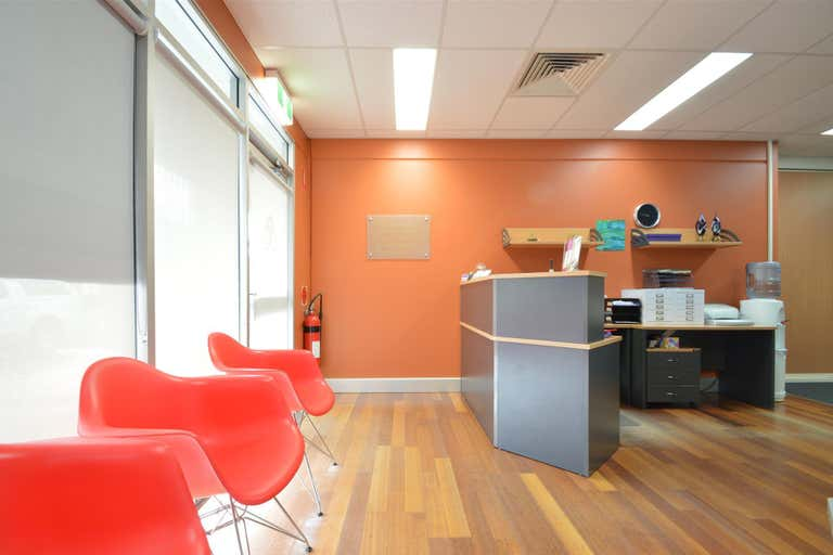 2/8 Garnett Road East Maitland NSW 2323 - Image 2