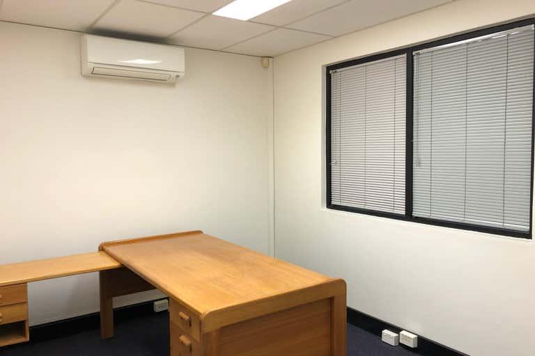 G1/109 Upton Street Bundall QLD 4217 - Image 4