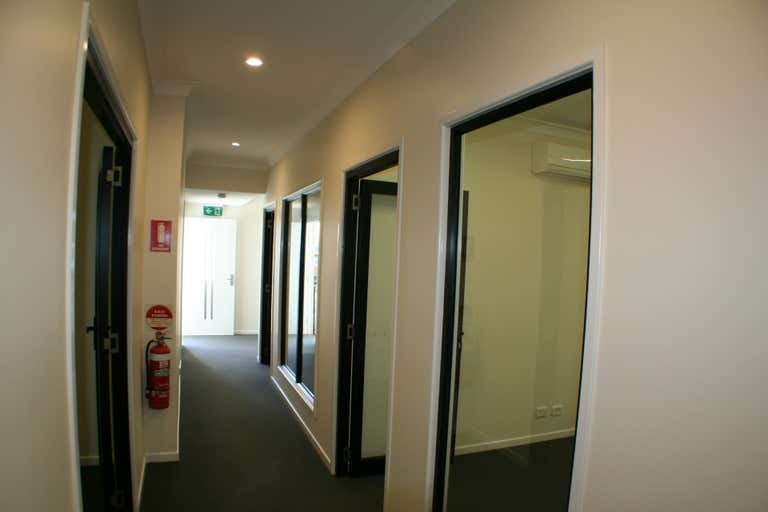 Level 1, 25 Howe Street Cairns North QLD 4870 - Image 2