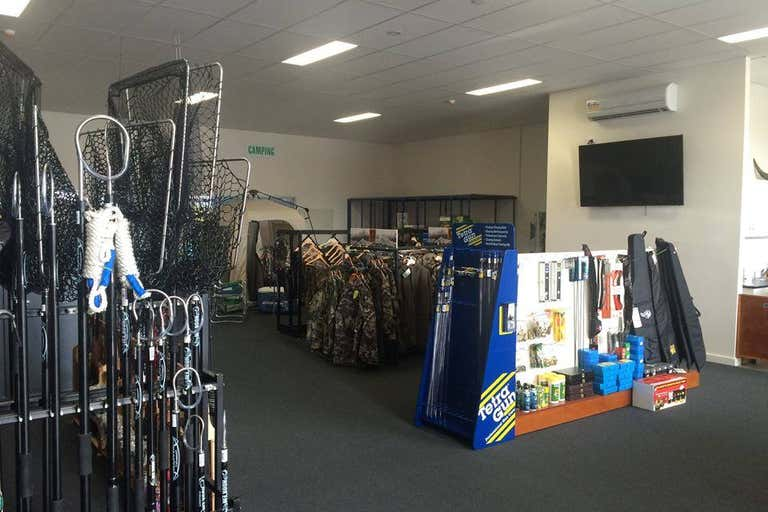 SHOWROOM or OFFICE WITH FRONT AND REAR ACCESS, 4/2 Murdoch Road South Morang VIC 3752 - Image 2