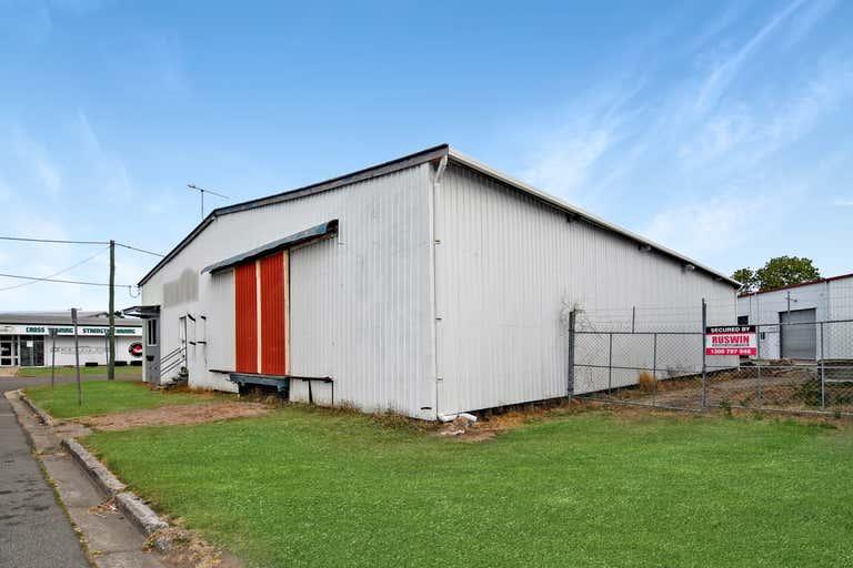 2/8 Horwood Street Currajong QLD 4812 - Image 3