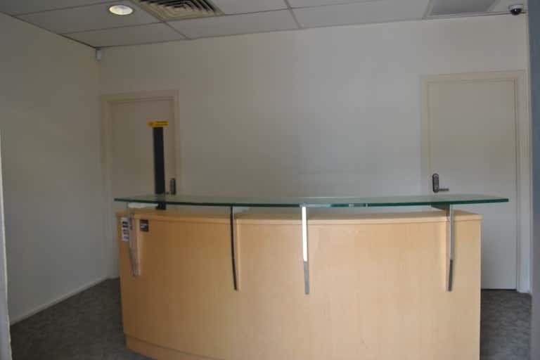 Unit 4/80 Wembley Rd Logan Central QLD 4114 - Image 4