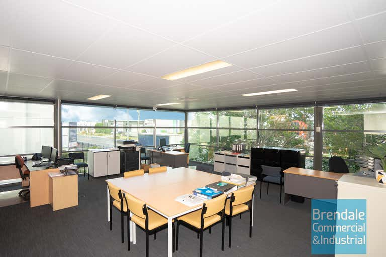 Unit 4, 253 Leitchs Rd Brendale QLD 4500 - Image 4