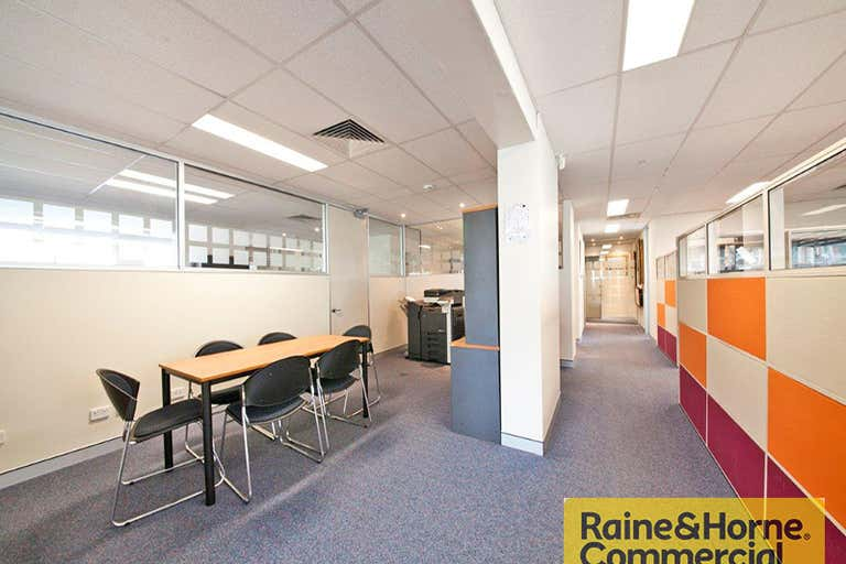 4/28 Fortescue Street Spring Hill QLD 4000 - Image 2