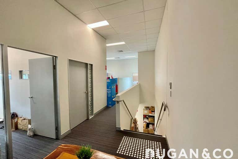 4/29 Hugo Place Mansfield QLD 4122 - Image 4