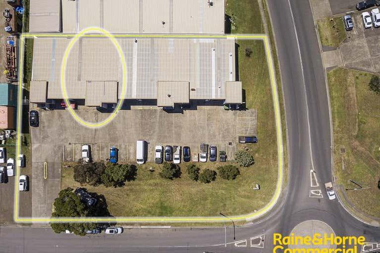 Unit 2, 15 Aero Road Ingleburn NSW 2565 - Image 3