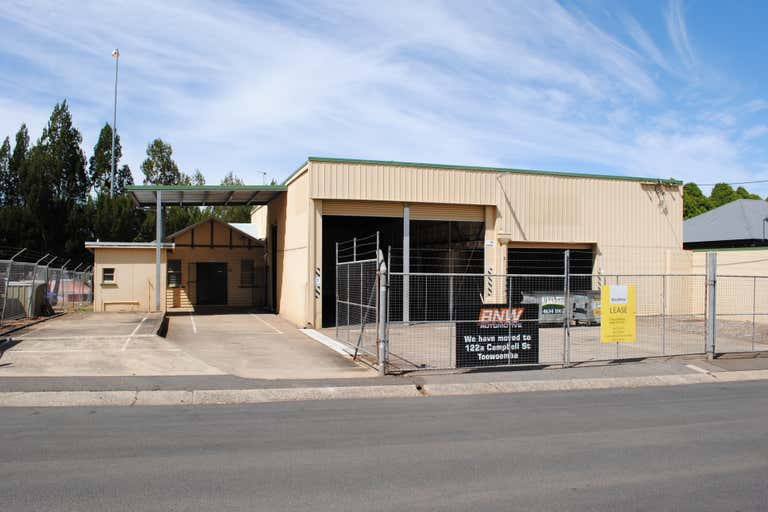 2 Laurel Street (137 Hume Street) Toowoomba City QLD 4350 - Image 3