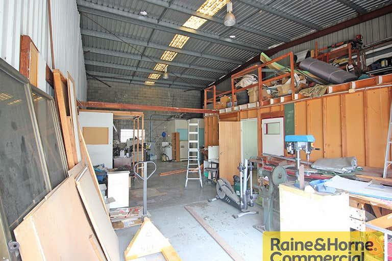 3/3 Moonbi Street Brendale QLD 4500 - Image 2