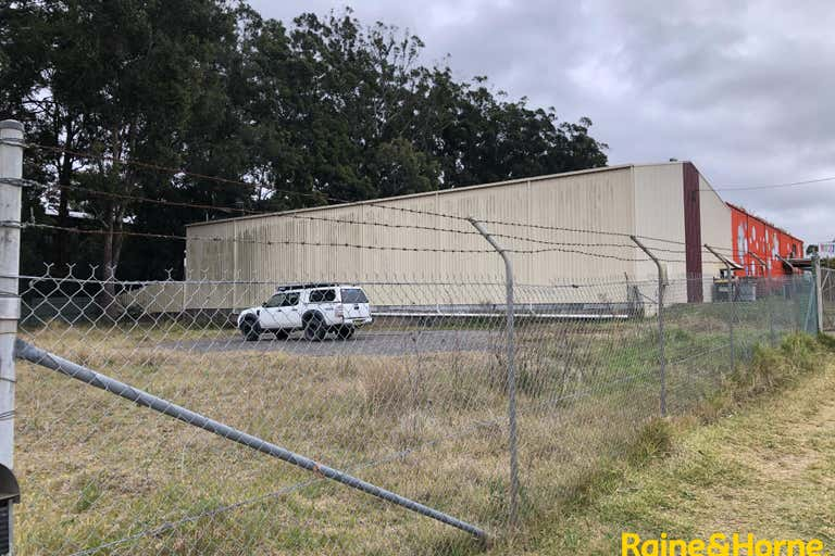 Fenced Yard, 25 Merrigal Road Port Macquarie NSW 2444 - Image 1