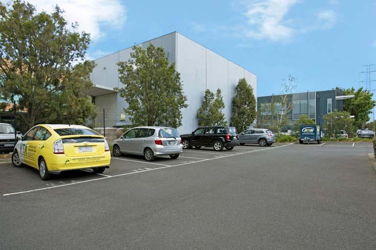 2/85 Salmon Street Port Melbourne VIC 3207 - Image 3