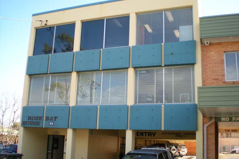 2/71 Clara Street Wynnum QLD 4178 - Image 1