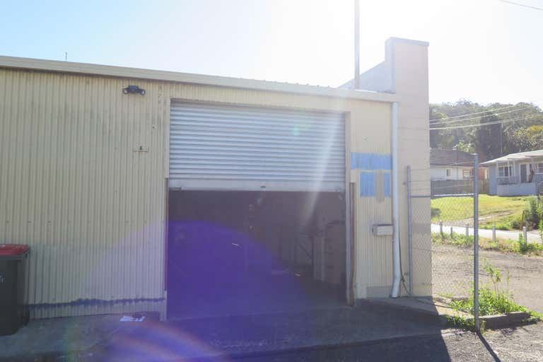 3/12 Young Street West Gosford NSW 2250 - Image 2