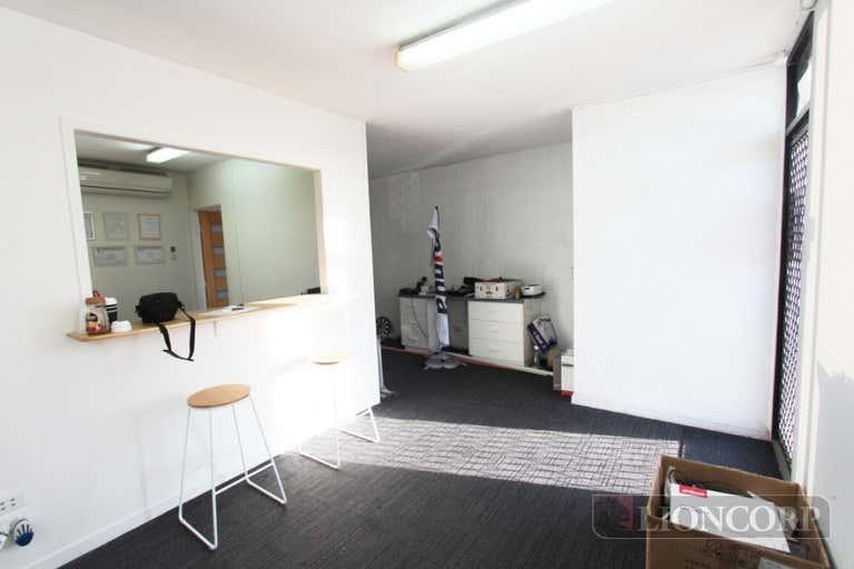 4B/23 Richland Avenue Coopers Plains QLD 4108 - Image 2
