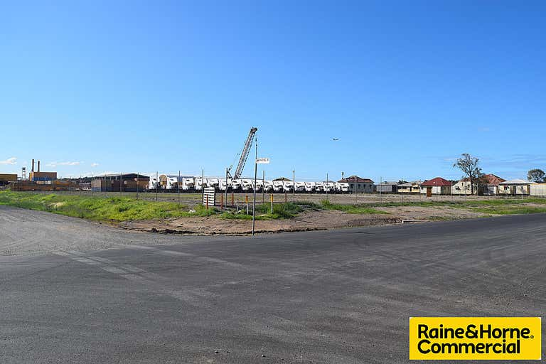 180 Main Beach Road Pinkenba QLD 4008 - Image 1