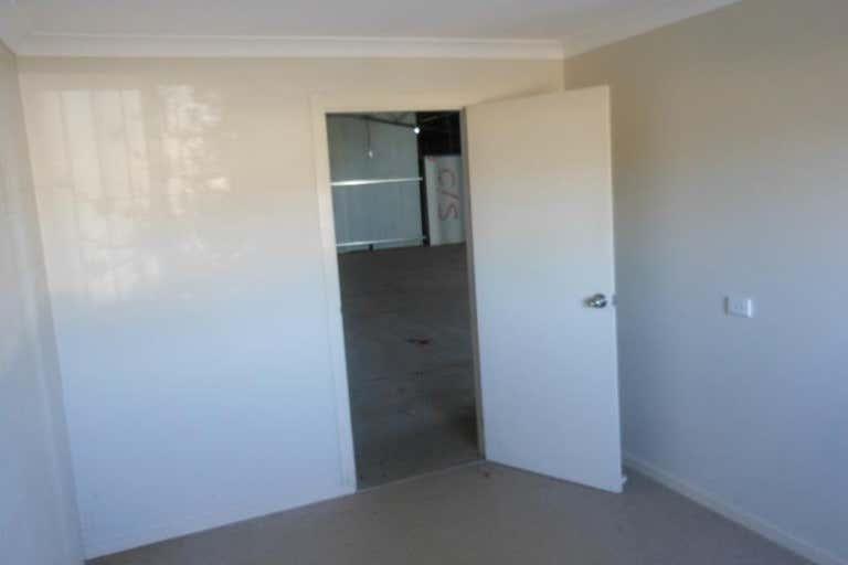 2/82 Mountbatten Drive Dubbo NSW 2830 - Image 4