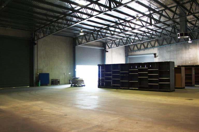 Unit 2, 4 Ball Place East Wagga Wagga NSW 2650 - Image 3
