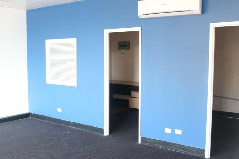 Suite 11 / 69 Wharf Street Tweed Heads NSW 2485 - Image 4