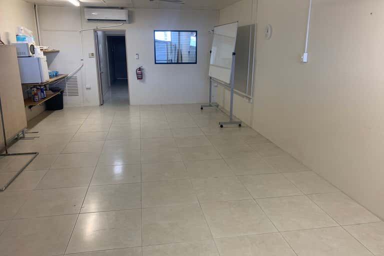 2/155 Sheridan Street Cairns City QLD 4870 - Image 3