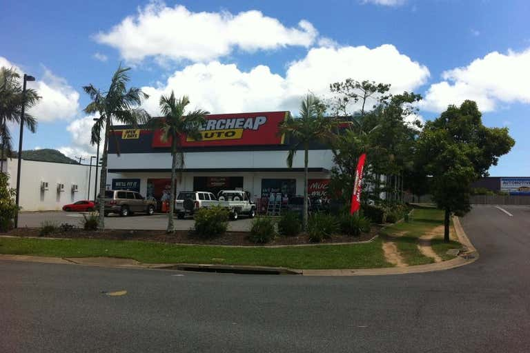 2 Mount Finnigan Court Cairns North QLD 4870 - Image 2