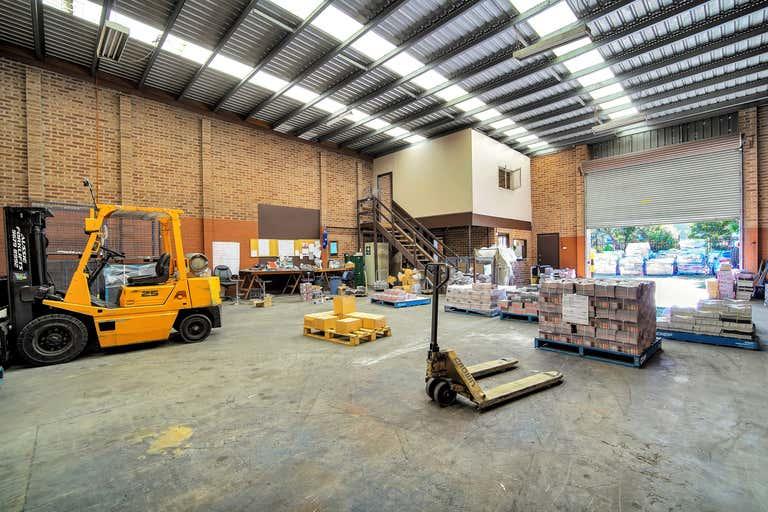 1/32 Investigator Drive Unanderra NSW 2526 - Image 2