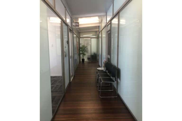 Shop 4, 120 Goondoon Street Gladstone Central QLD 4680 - Image 3