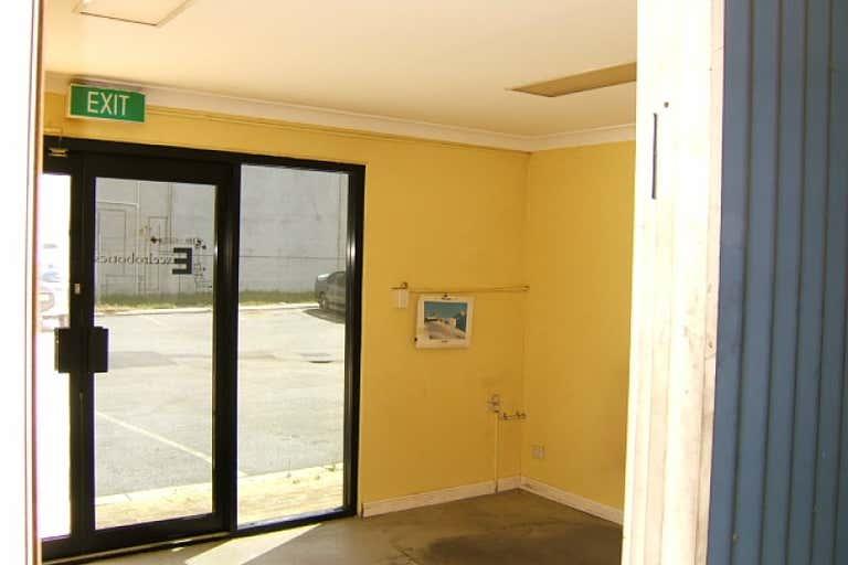 Unit 3, 25 Emplacement Crescent Fremantle WA 6160 - Image 3