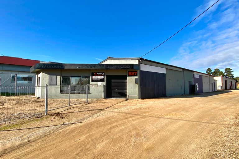 1/627 Main Street Bairnsdale VIC 3875 - Image 2