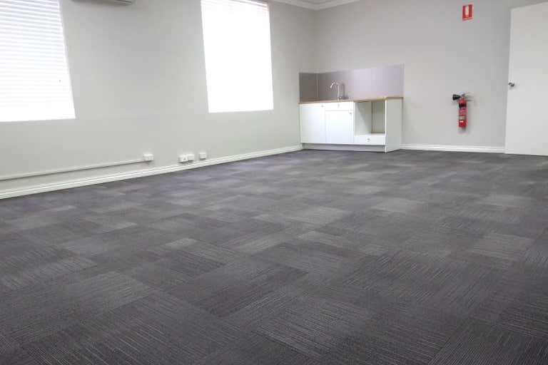 Suite 3, 10 Johnston Street Peppermint Grove WA 6011 - Image 4