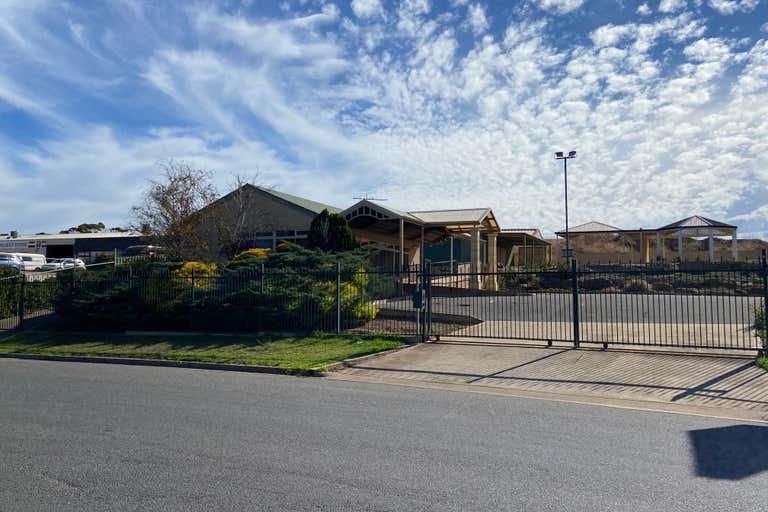 11 Sherriffs Road Lonsdale SA 5160 - Image 1