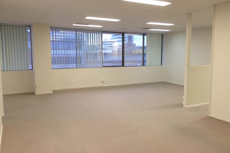 3/126 Scarborough Street Southport QLD 4215 - Image 4