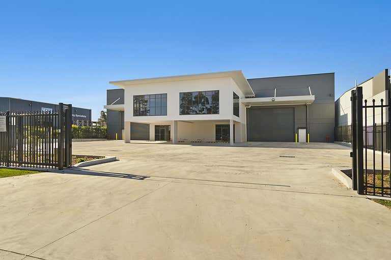 6 Spitfire Place Rutherford NSW 2320 - Image 2