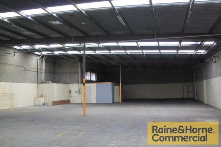2/25 Parramatta Road Underwood QLD 4119 - Image 3