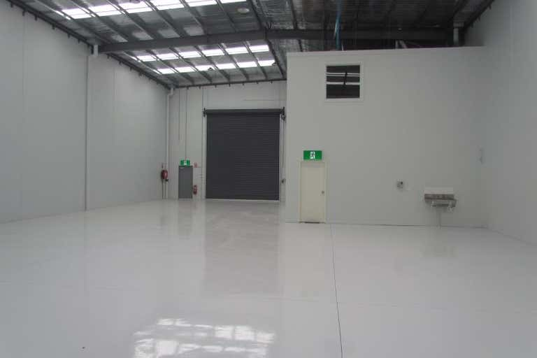 Unit, 39 CAMBRO ROAD Clayton VIC 3168 - Image 2