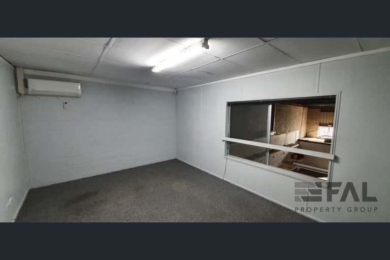 Unit  2, 18 Spine Street Sumner QLD 4074 - Image 4