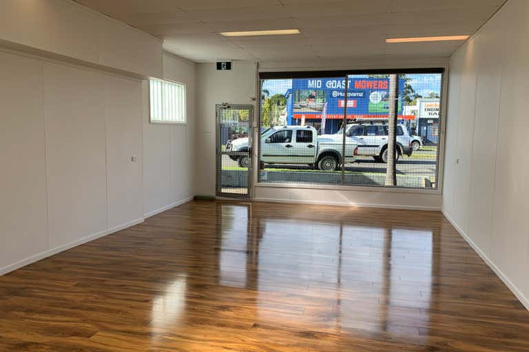Shop 4A, 32  Beeton Parade Taree NSW 2430 - Image 1