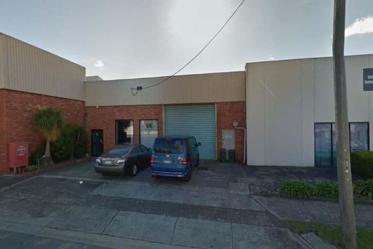 10 Chingford Street Fairfield VIC 3078 - Image 2