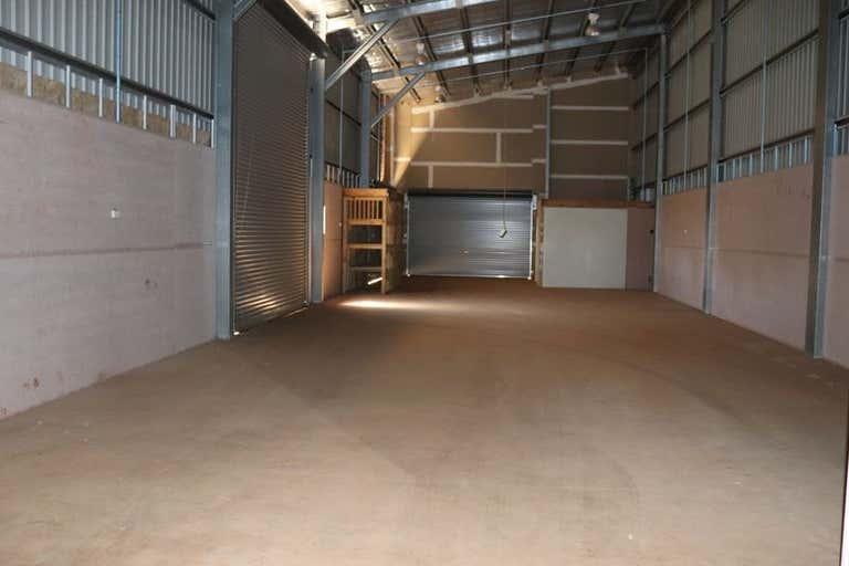 Unit 1   19 Croft Cres Harristown QLD 4350 - Image 3