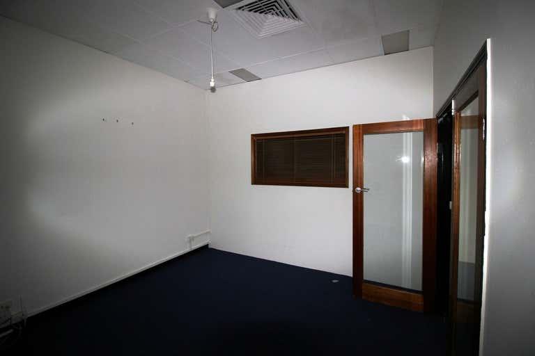 18/9 Abbott Street Cairns QLD 4870 - Image 4