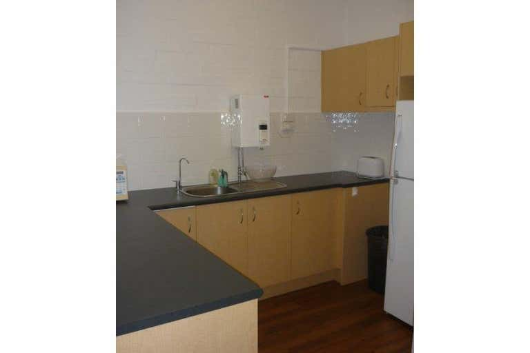 Ground Floor, 74 Astor Terrace Spring Hill QLD 4000 - Image 3