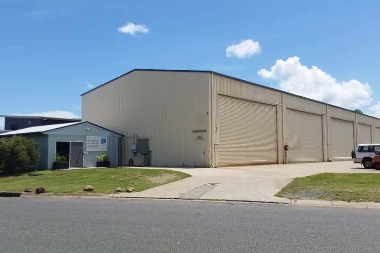 1/24 Carlo Drive Cannonvale QLD 4802 - Image 1