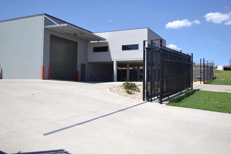 2/5-7 Spalding Street Harristown QLD 4350 - Image 1