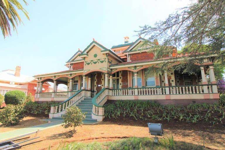5/1 Clifford Street Toowoomba City QLD 4350 - Image 4